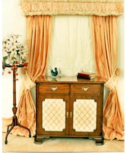 Queen Anne Commode